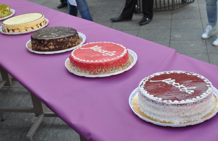 Как выбирают торт «Москва»