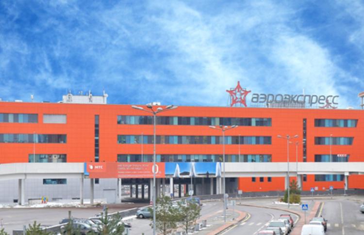 В терминале «Аэроэкспресса» в Шереметьево бесплатно делают экспресс-укладку и маникюр