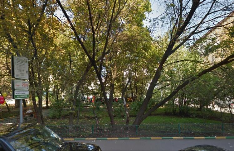 На Патриарших появился сквер имени Булгакова