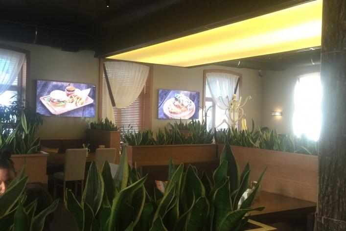 Так не бывает: в Москве открылся первый ресторан с докризисными ценами