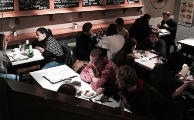 15 лучших мест, где можно поесть меньше чем за 500 рублей