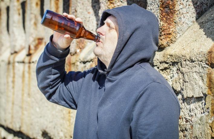 Штраф за распитие алкоголя на улице увеличат до 5 тысяч рублей