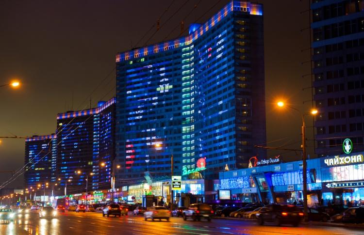 Москва окрасится в голубой