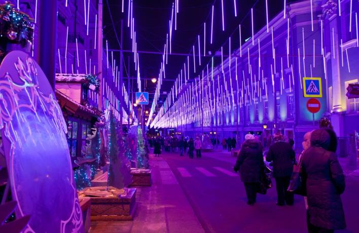 Зимой улицы в Москве запахнут орехами и сардельками