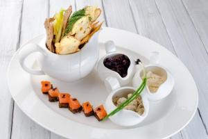 13 лучших ресторанов, где готовят из российских продуктов
