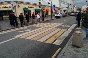 В Москве появились двойные пешеходные переходы