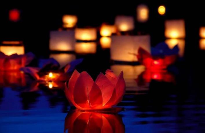 14 и 15 ноября фестиваль водных огней «Лой Кратонг»