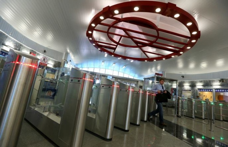 Вестибюли метро обезопасят от бомб