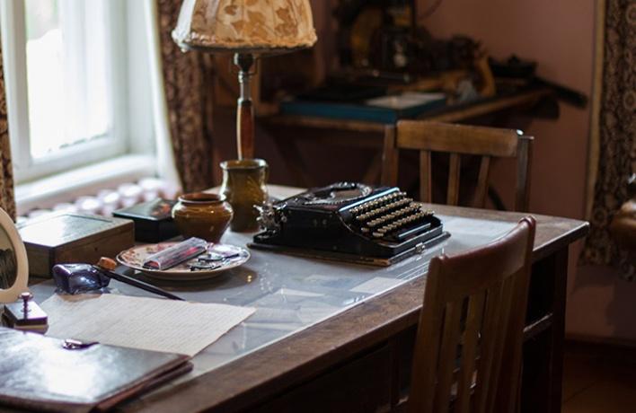 В ММОМА покажут пишущие машинки Толстого, Маяковского и Бродского