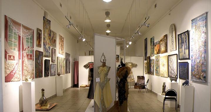Выставочный зал ассоциации художников декоративного искусства