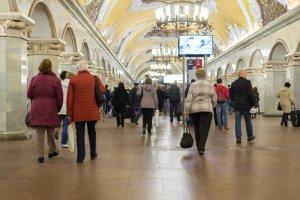 «Комсомольская»-кольцевая настолько не справляется с трафиком, что ее закрывают на вход
