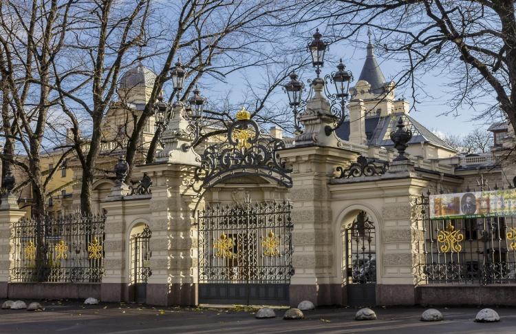 Экскурсия по парадным интерьерам Алексеевского дворца