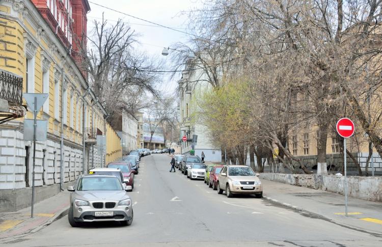 На улицах с платной парковкой выделят специальные места для жителей
