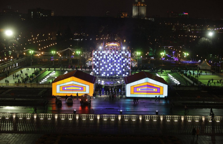 Каждый десятый житель Москвы встретит Новый год в парке