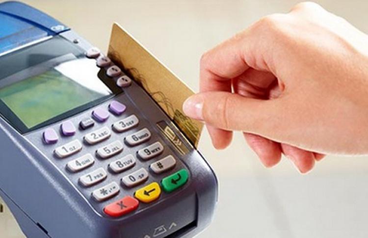 Электрики и сантехники теперь принимают банковские карты