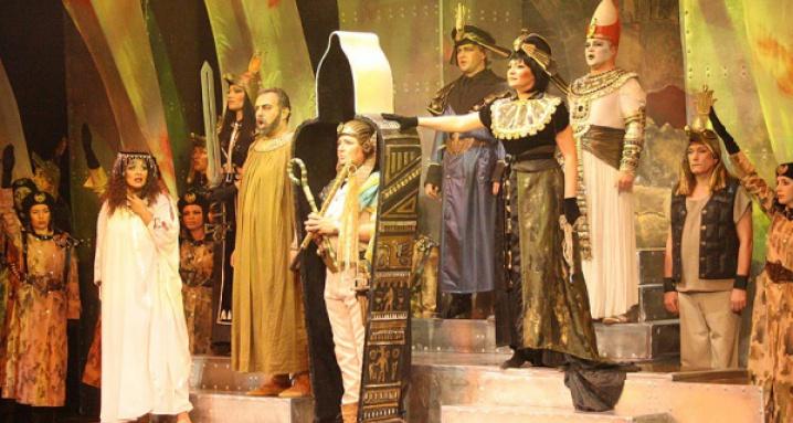 Геликон опера на Арбате