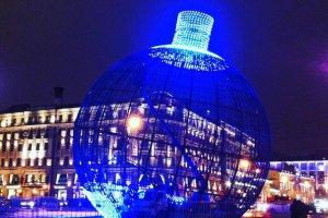 Новогодний шар на Манежной может попасть в Книгу рекордов Гиннесса