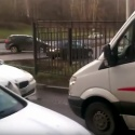 Прохожие избили водителя BMW, перекрывшего проезд «скорой»