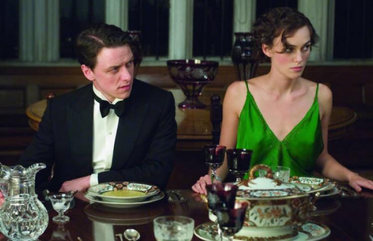 10 фильмов, которые нельзя смотреть в праздники с родителями