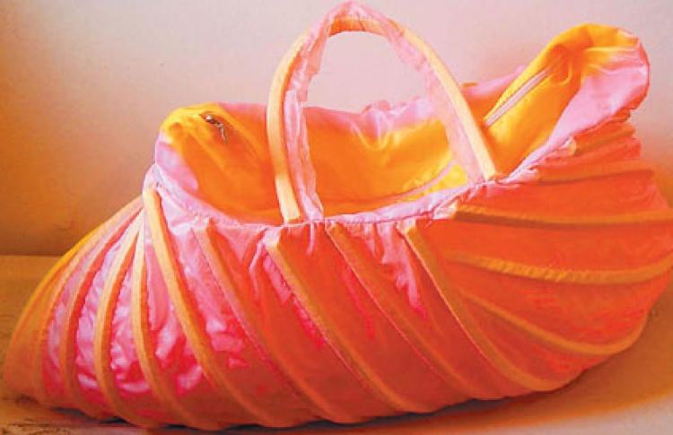 Horoshi Design: Экзотические сумки изпрактичных материалов