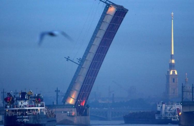 Тучков мост будут разводить до 29 января ради ремонта