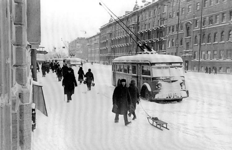 На автобусе № 22 – в блокадные дни