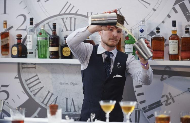 Xander Bar открывает сезон гастролей