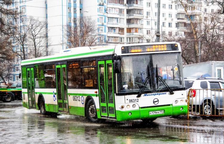 С каждого пятого автобуса в Москве снимут турникеты
