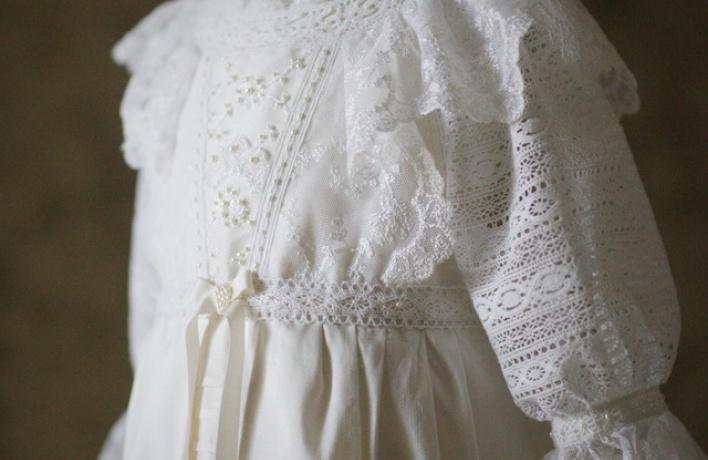 Выставка крестильных платьев