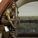 С кого лепили статуи на станции «Площадь Революции»
