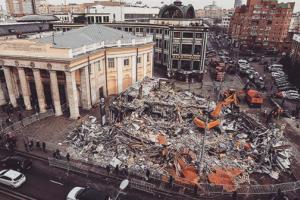 На благоустройство мест, оставшихся после снесения павильонов, город потратит миллиард рублей