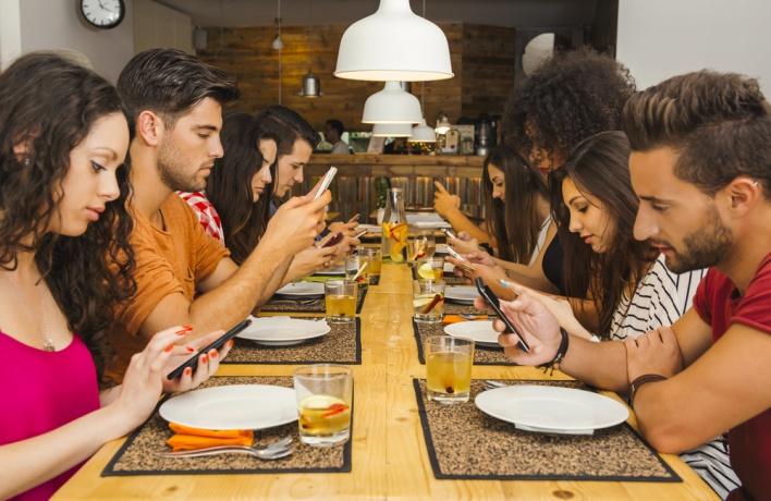 10 пользователей Instagram, которых нужно удалить немедленно