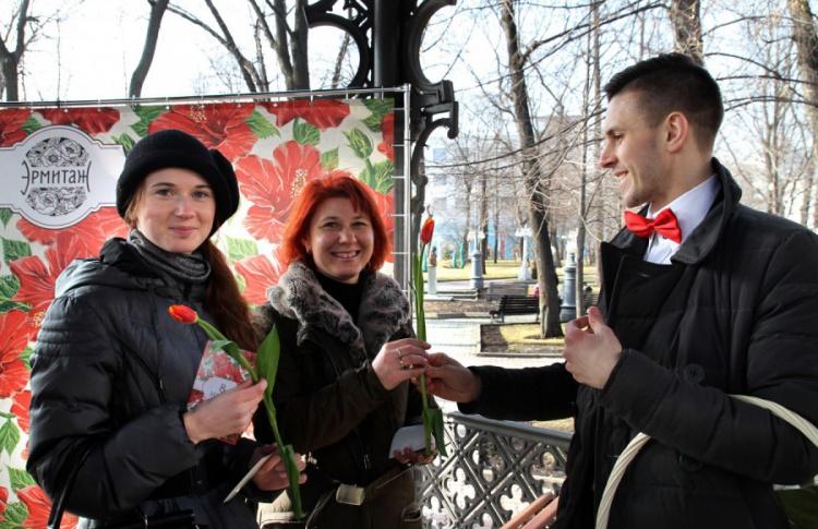 8 марта в саду «Эрмитаж»