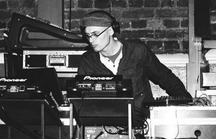 «Warehouse»: DJs Dolshchik, Sergey A.M., Unbalance, VJ Ira Lukina