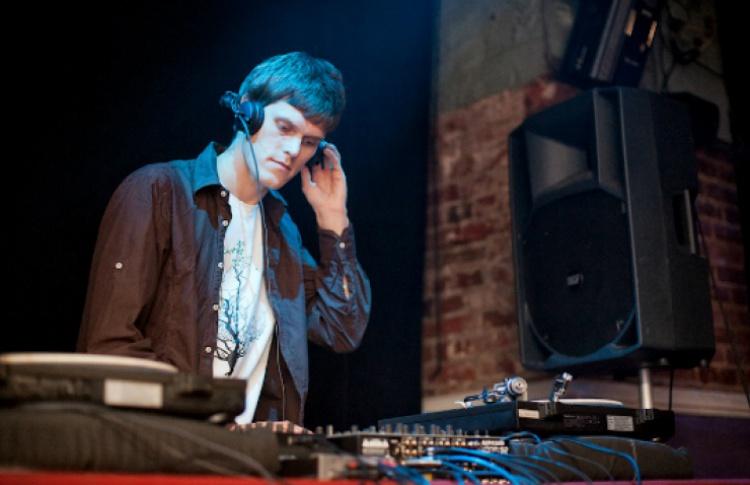 «Ruvenzori»: DJs Swoy, Gorje Hewek, Izhevski, VJ Selesneva