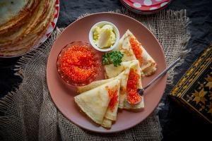 Масленица: лучшие блины в ресторанах Москвы