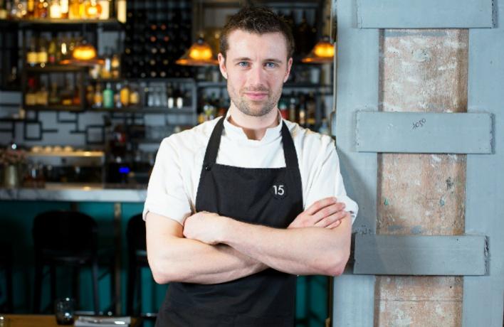 Кухню 15 Kitchen+Bar возглавил новый шеф