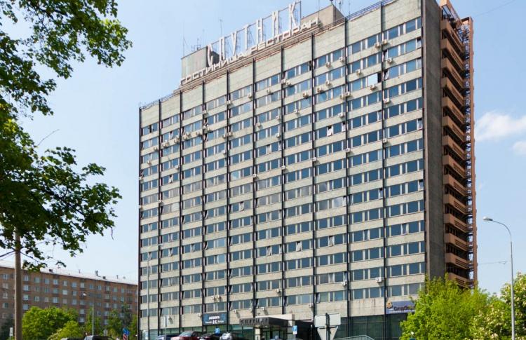 Местные жители мешают сносу гостиницы «Спутник»