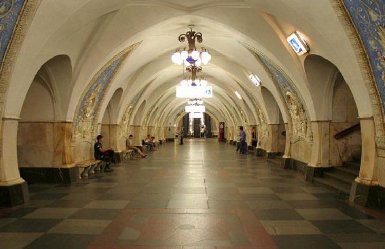 Вестибюли 10 станций метро закроют на выходные