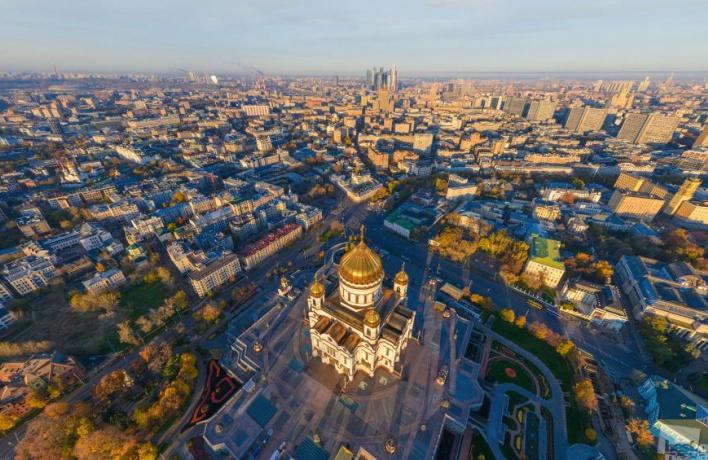 Почему Москва — большая деревня?