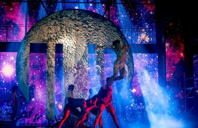 Шоу «Фавориты луны.Поцелуй»