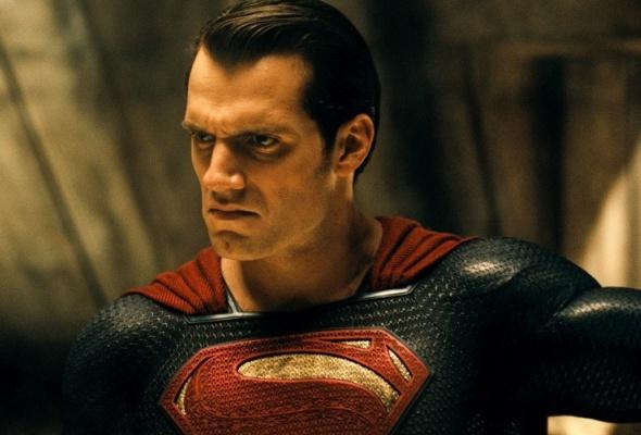 Бэтмен против Супермена - Фото №1