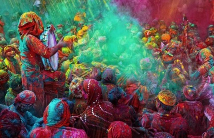 Индийский фестиваль Холи Мела