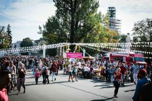 На фестивале фудтраков выберут фирменную еду для ВДНХ