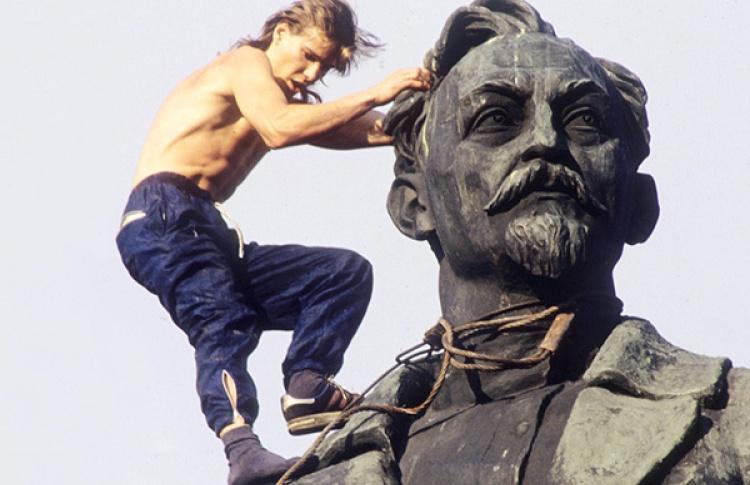 Москвичам предложили помыть Дзержинского