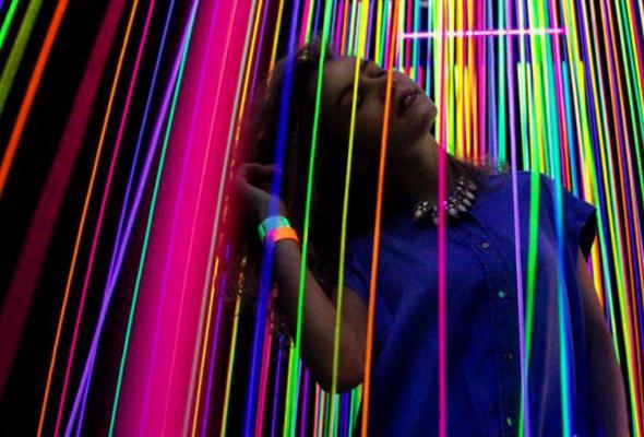 Magic of Light — выставка световых инсталляций, голограмм и оптоклонов (со скидкой 52%) - Фото №1