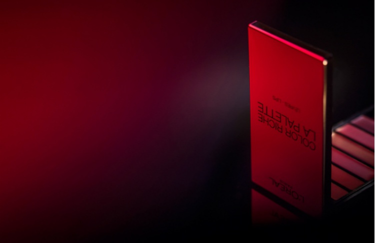 RED: новый арт-фильм Бруно Авейана для L'Oréal Paris