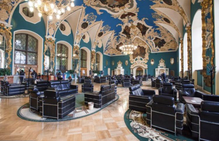 Казанский вокзал отреставрировали