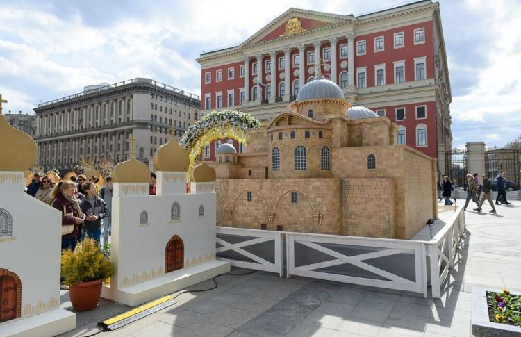 Выставка самых почитаемых православных храмов и монастырей