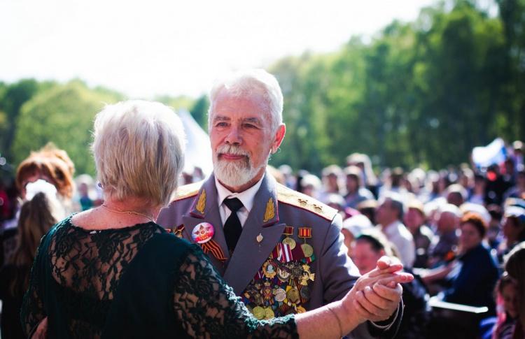 Бал Победы в парке «Кузьминки»